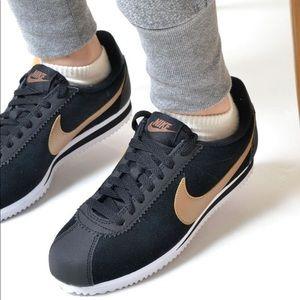 Nike Classic Cortez. NEW
